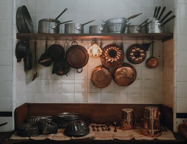 Light under shelf in kitchen.